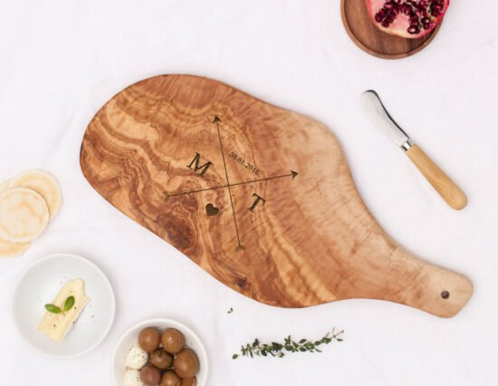 Personalised Arrows Olivewood Cheeseboard