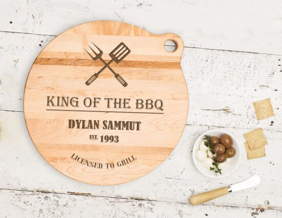 Personalised King of the BBQ Canadian Maple Cheeseboard